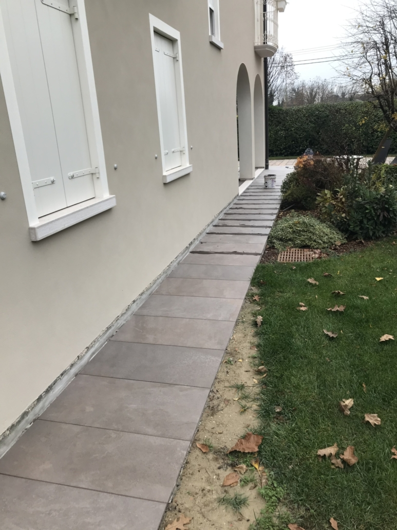 Colore Esterno Casa Moderna marciapiede esterno meolo - ideal casa
